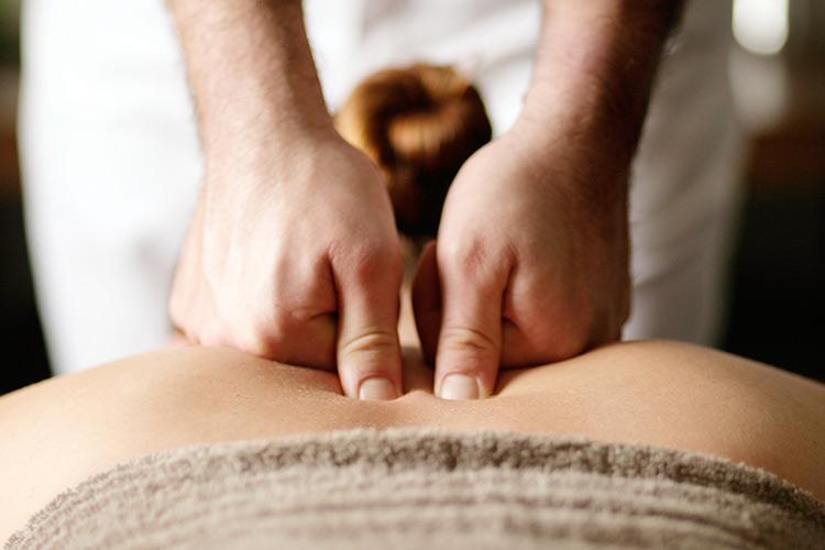 Massage Seminar Leverkusen Leichlingen Solingen Heilpraktiker und Fitnesstrainer Simon Gilljohann